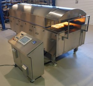 Pilot oven for baking baguettes and other bread with hard crusts